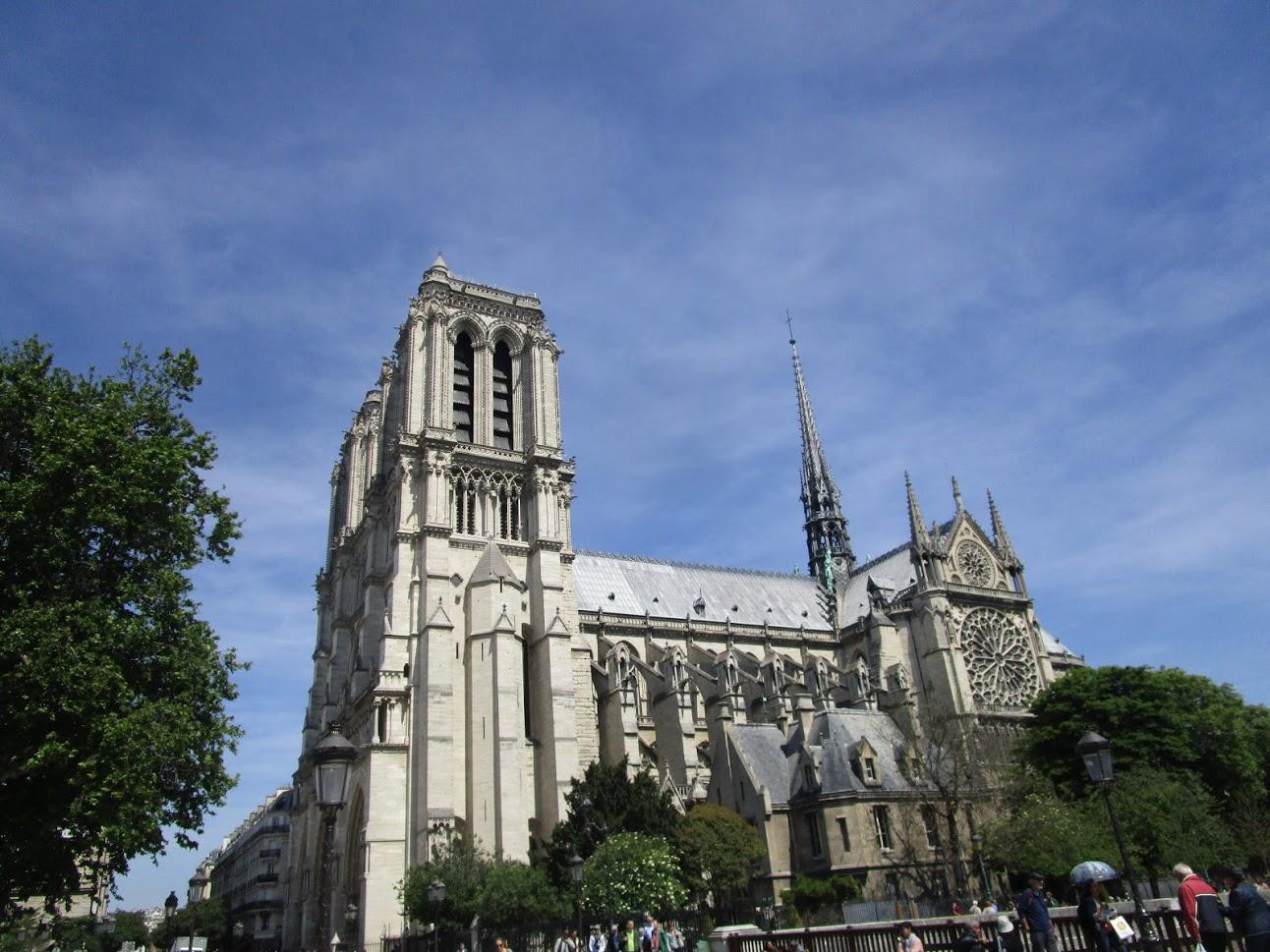 Zum Brand der Notre Dame